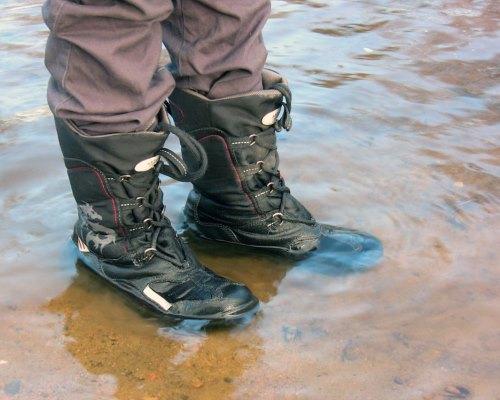 Что делать, если промокли ноги в походе?