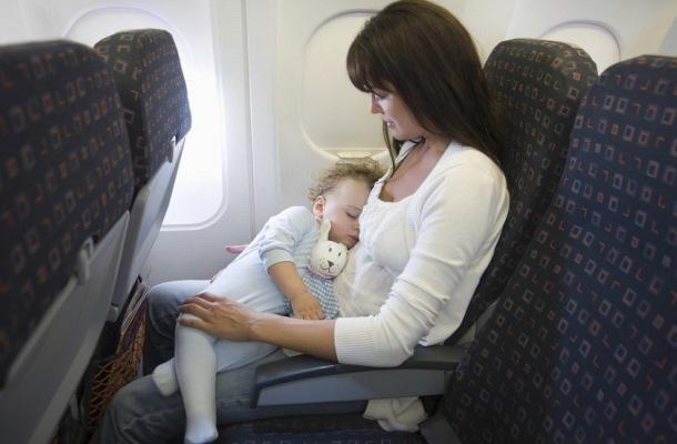 В самолете с младенцем