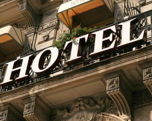 Где лучше всего бронировать отель?