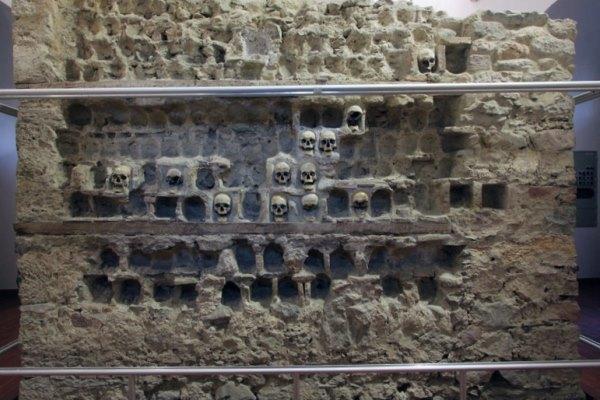 Нишу – турецкая крепость и Башня черепов